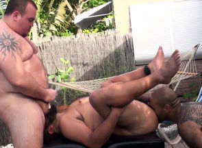 Plump  strokes jizz in nude spitroast 3
