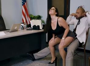 Brazzers - Thick Globes at College -..