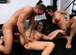 Gracie Glam and Amy Brooke threeway..