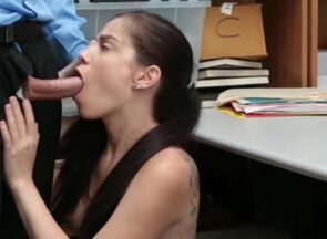 Brown-haired gf dogging money-shot donk