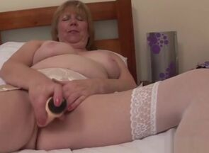 Brit mature fuck-a-thon with