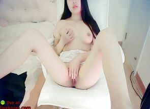 Chinese lovely young woman camgirl..