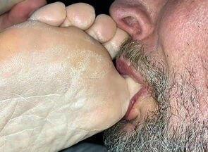 Blowing My Wifes Muddy Toes And Feet