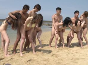 Outdoor Japanese group bang-out sex..